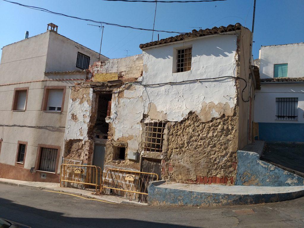 Proyecto de demolición de una casa en el Barrio de la Pedrera, Yecla.
